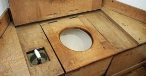Composting toilet 4